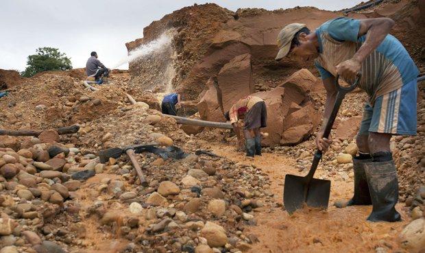 Sobre el Decreto Legislativo 1320 y la formalización minera - Por: Julia Cuadros