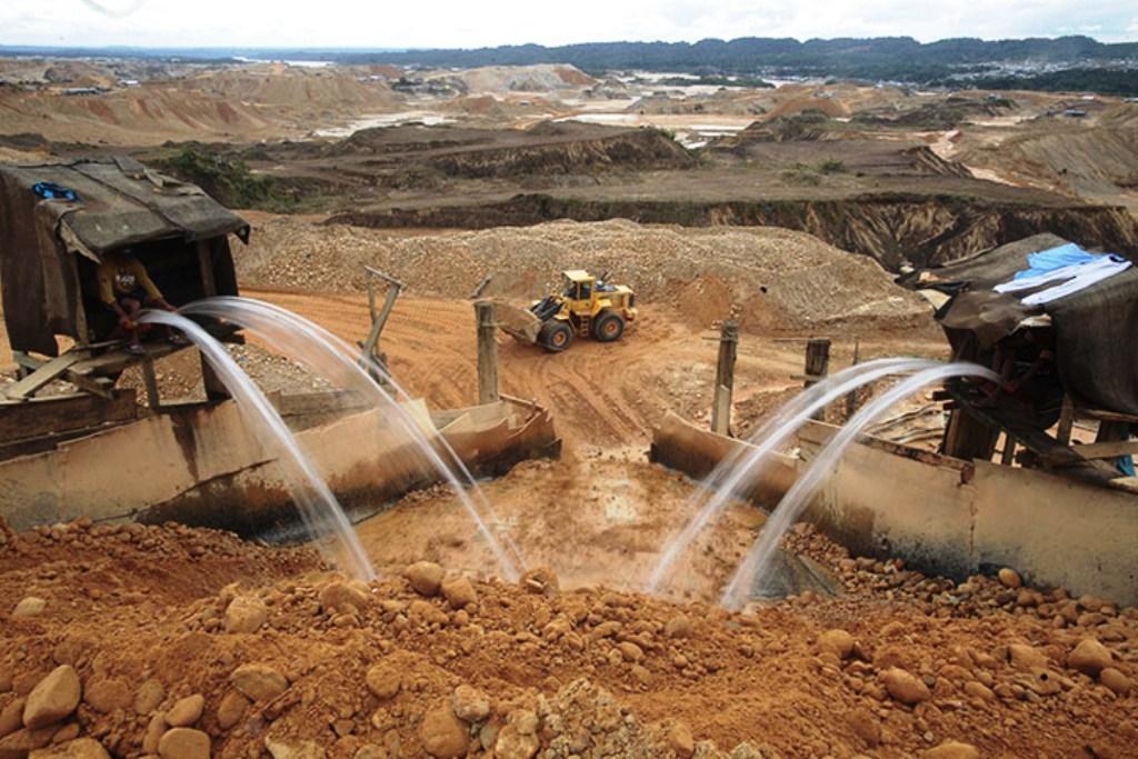 Decreto Legislativo 1320 amplía el plazo de caducidad de concesiones mineras - Por: Ana Leyva V.